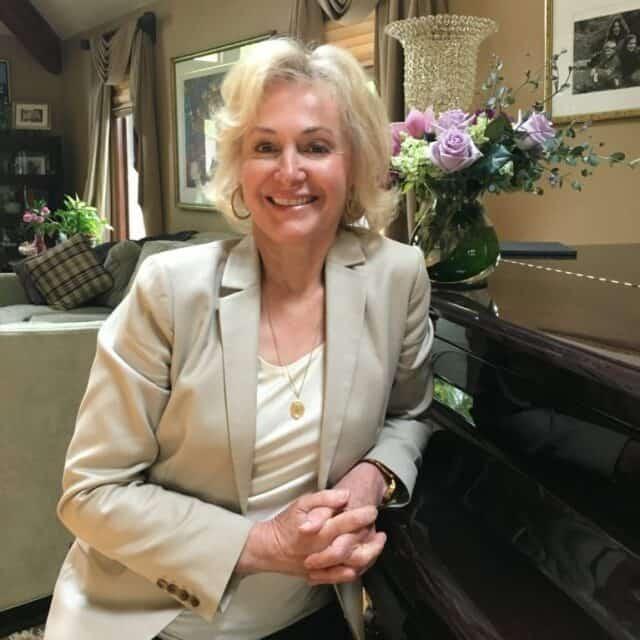 Dr. Sandra Kuhn