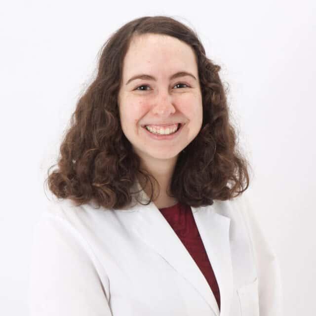 Dr. Cindy Leeb